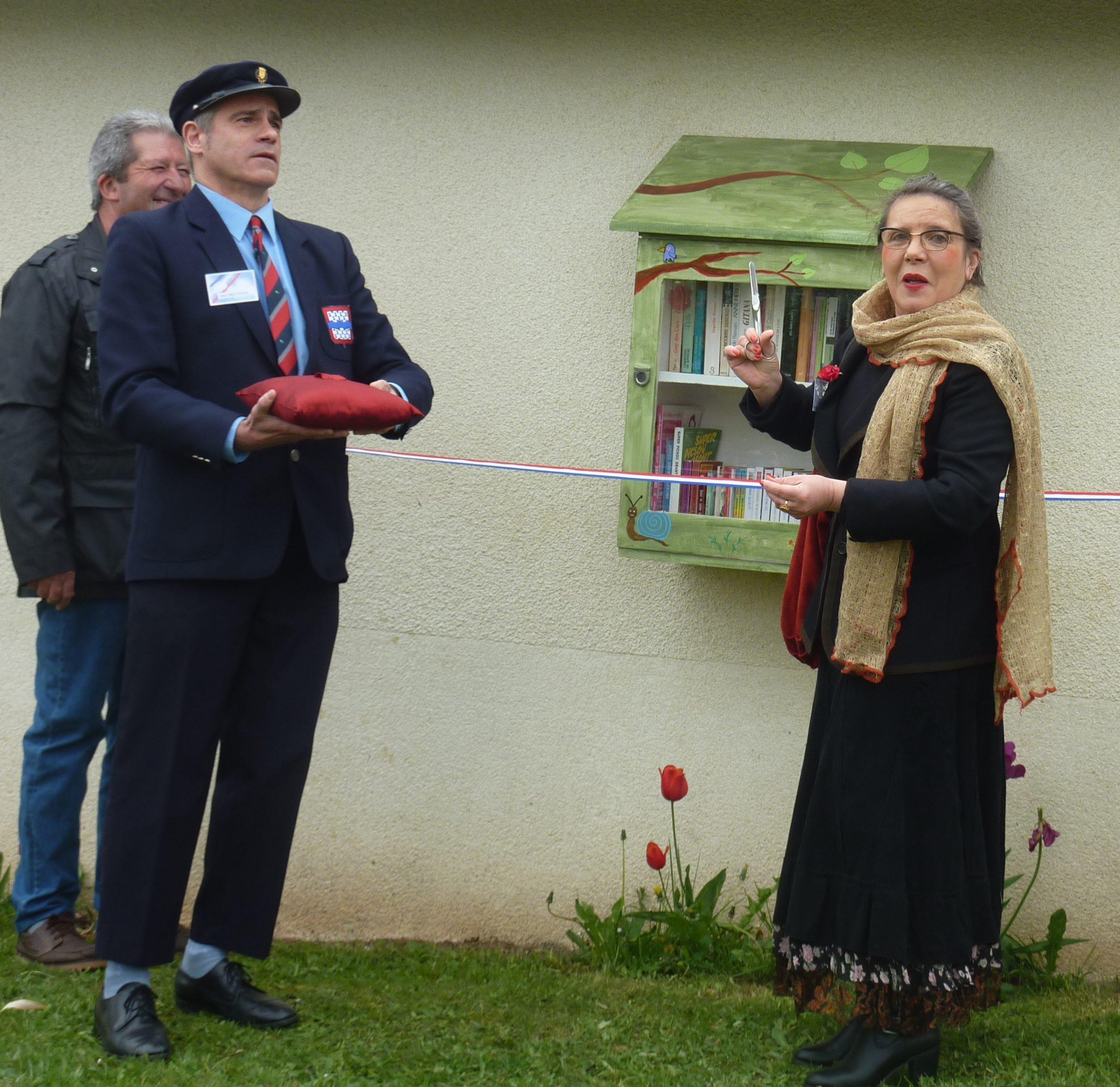 Inauguration boîte à livres