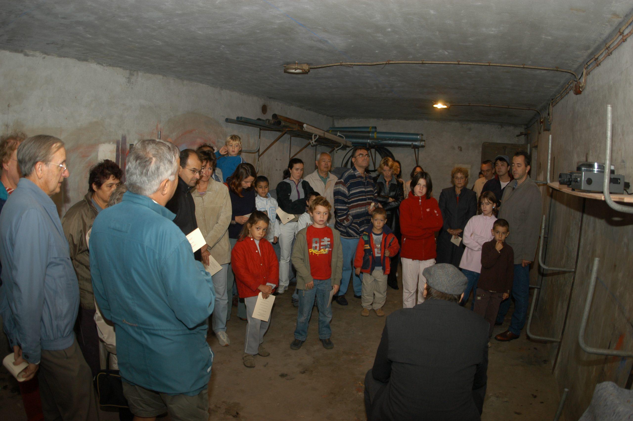 Visite dans un abri anti-aérien, Gennevilliers